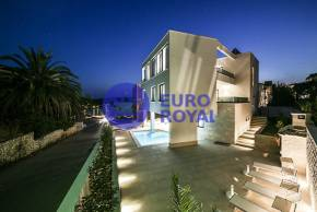 MODERN LUXURY VILA WITH POOL, TROGIR - ČIOVO